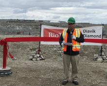 Wally Schumann Congratulates Diavik Employees On Opening Of A21 Diamond Pipe