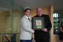Francois Rossouw Accepts Premier's Award From Bob McLeod